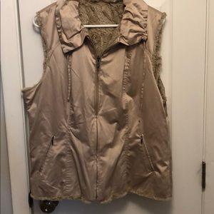 CAbi tan reversible vest